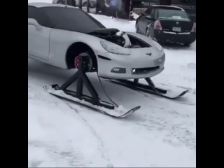 Когда живёшь на Аляске, но уж очень хотел себе Corvette  😂