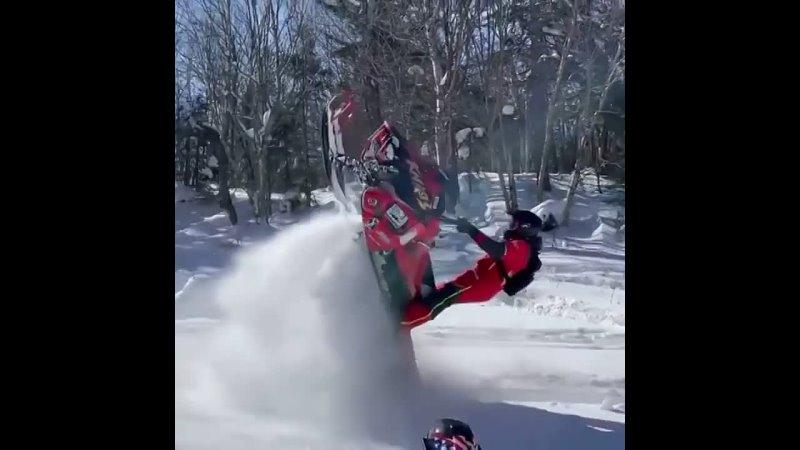 Cynthia_snowmobile-CMSNedKBL20-.mp4
