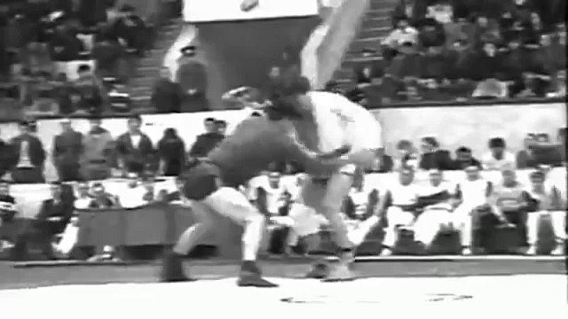 Чемпионат СССР.1985г. 74 кг. Эркин Халиков-Виктор Бухвал