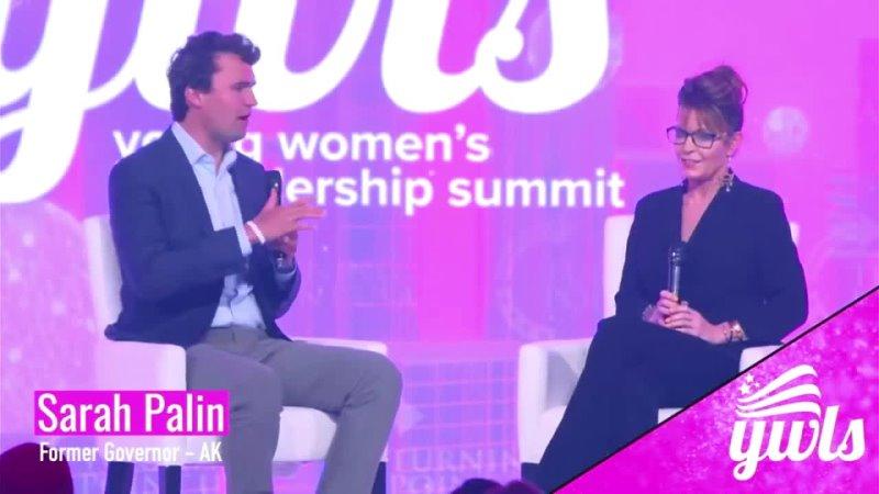 Turning Point USA · Gobernadora Sarah Palin y Charlie Kirk el fundador de TPUSA en YWLS 2021