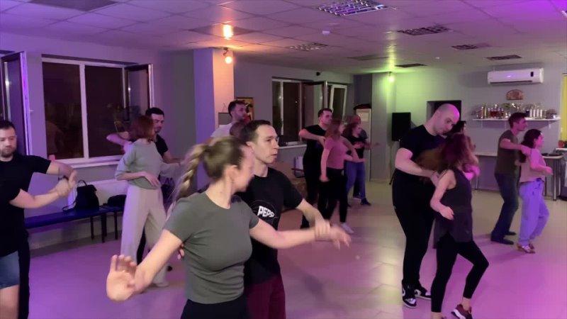 Бачата. Занятия в школе танцев PALLADIUM. Первая группа - второй выход (20.04.2021)