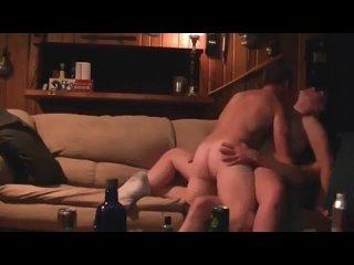Пьяной жене устроили двойное проникновение_ Секс эротика МЖМ Домашнее Порево Трах свингеры двойное сексвайф SEXWIFE измена sex.