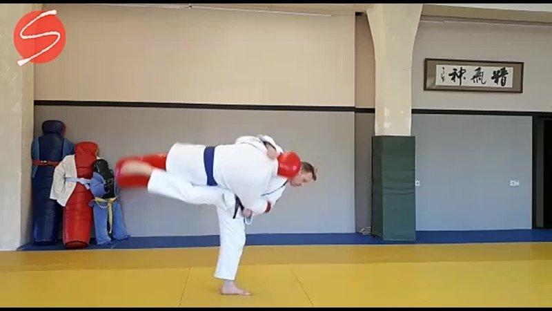 Подхват под две ноги Harai goshi