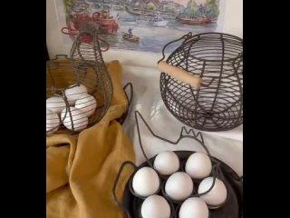 А можно без лишних слов??😊😋все слова в сторис😉В наличии:🐓Корзинка для яиц круглая с дер ручкой 17х11,5 см 1900₽🐓Подставка для