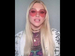 Kesha greets SUNY Oneonta