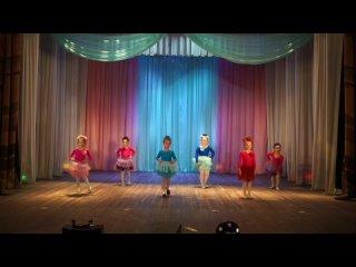 Танец Мама и дочек  Мама Мария  (рук. Ах...а А. С.) (1080p).mp4