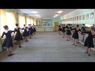 Класс-концерт по народному танцу 8 год обучения 1 подгруппа 2021 год