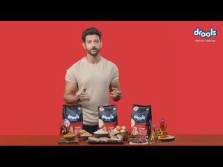 Ритик в новой рекламе корма для домашних питомцев.