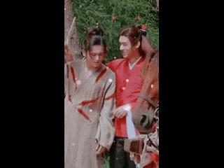 """Далёкие странники"" - Чжан Чжэхань & Гун Цзюнь (за кадром, один веер на двоих)"
