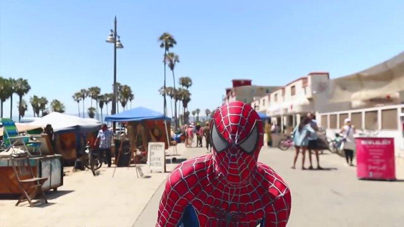 Настоящий Человек паук на твоей улице