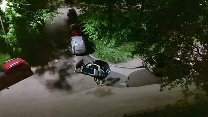 В ночь на 26 мая на Аллее Поликарпова между 3 и 5 домом хулиганы, решили видимо прикольнуться и зака...