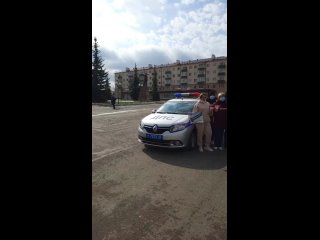 """Флешшмоб """"уступи дорогу скорой"""""""