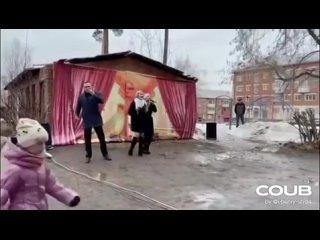 Безудержное российское веселье (концерт в честь 50тилетия жилого дома)