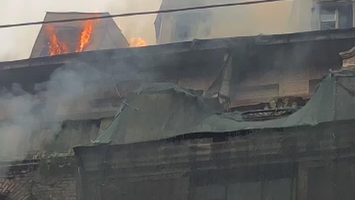 18 мая в 17:54 на телефон МЧС поступило сообщение о пожаре по адресу: ул. Большая Пушкарская, д. 7 ...