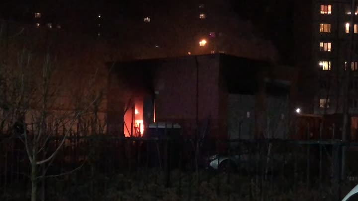 14 апреля в 22:43 на телефон МЧС поступило сообщение о пожаре по адресу: Малая Бухарестская дом 5 ко...