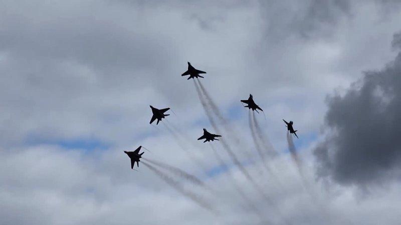 6 мая 1991 года создание авиационной группы высшего пилотажа Стрижи
