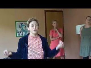 Un vrai médecin, le Dr Eve Engerer 😇, ne fera jamais le tour de tous les plateaux TV, la boite a merde 📺