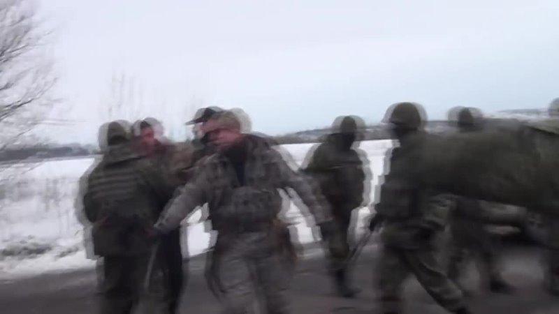 Полное видео как полиция и сбу разгоняют хероев ато которые остановили титушек порошенко