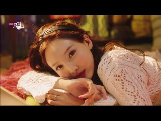 TWICE(트와이스) - Alcohol-Free(Intro)(Music Bank)   KBS WORLD TV 210611