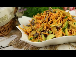 НОВЫЙ Салат из 4 ингредиентов, Который ешь и НЕ МОЖЕШЬ Остановиться! Настоящее Объедение.