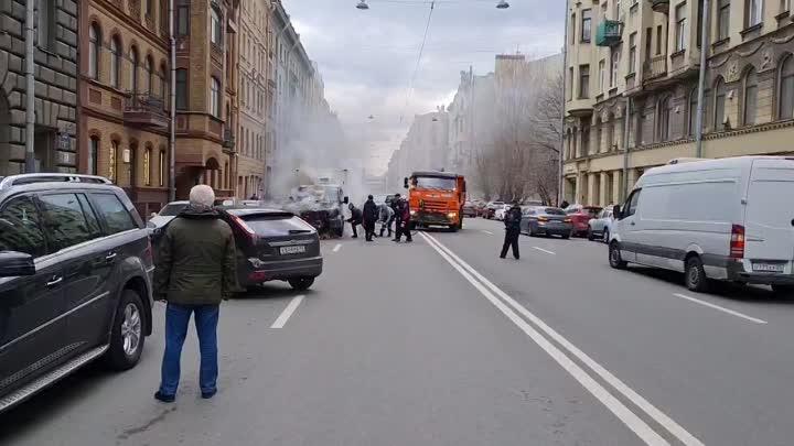 На улице Ленина загорелась Газель