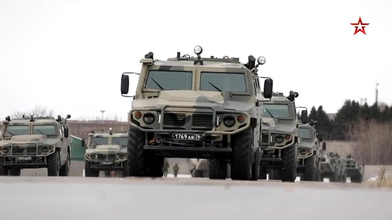 Первая тренировка механизированной колонны для участия в Параде Победы прошла в Новосибирске