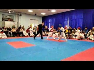 Районные соревнования по рукопашному бою. Саша в синем