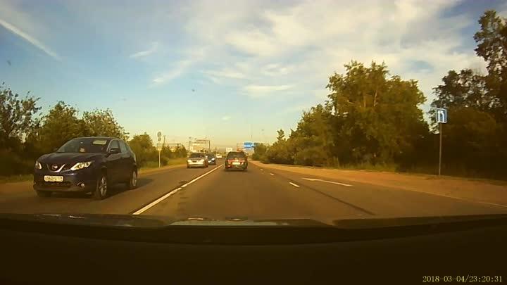 На выезде из Малого Карлино Лада 11-ой модели не отразилась в правом зеркале у Лады Веста сегодня в ...