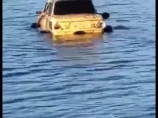 Как тебе такая лодка Илон?