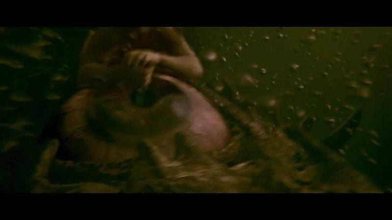 Беовульф рассказывает историю о битве с морскими чудовищами Беовульф 2007 B