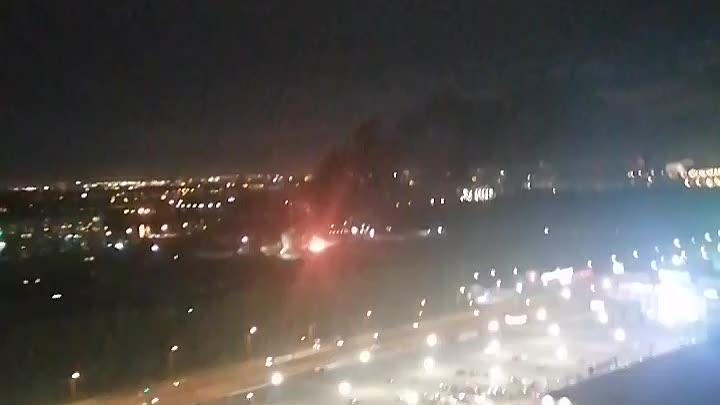 Снова что-то горит на Дальневосточном, строений вроде нет, между 9 и 11. Возгорание кажется не больш...