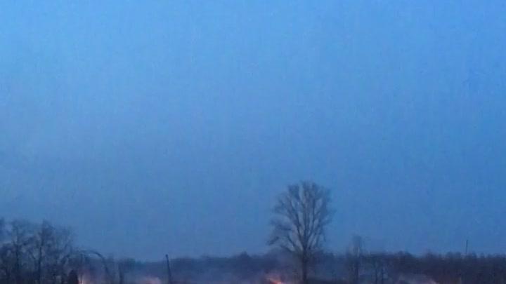Горит поле возле станции Скачки, 112 звонили, сказали машин нет...