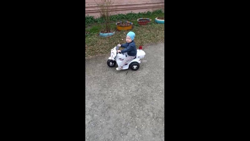 👶 .....Наш маленький гонщик....🏍
