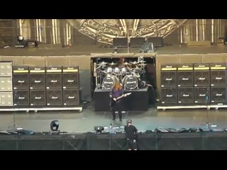 Megadeth - Public Enemy No. 1 (Live In New York City 2011)