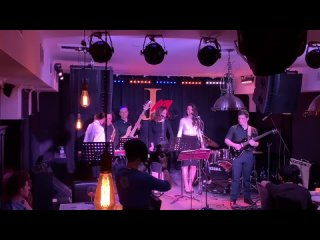 Ivan Popov sings Barry White at Makarevich's Jam Club