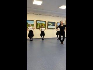 Женский лирический марийский народный танец