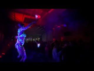 Светодиодный реквизит в клубе