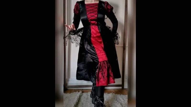 Черно алое платье с кружевом