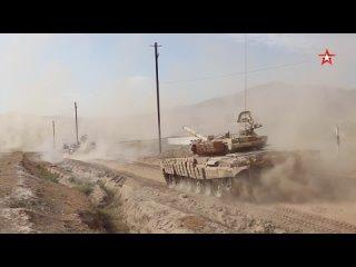 Российские #танкисты 201-й базы совершили марш в приграничный с Афганистаном район. #Ляур #ХарбМайдон