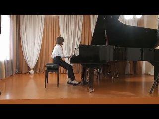 "Молодцева Алена _ Р.Шуман ""Дед Мороз"""