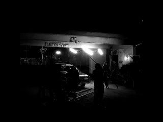 Фиби на съёмках фильма ''Ночная смена''