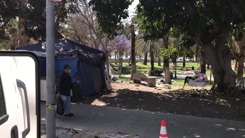 Бомжы загадили Лос Анджелес