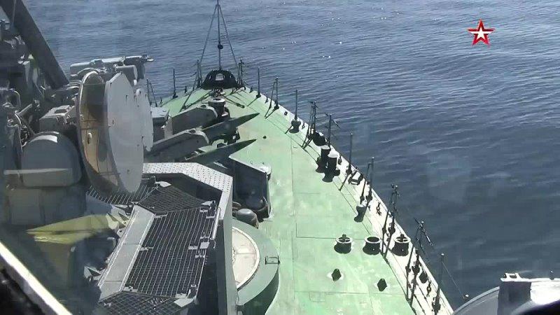Боевые корабли провели ракетные и артиллерийские стрельбы у побережья Камчатки