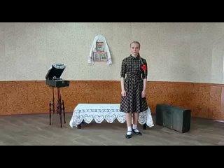 """Наумова Софья 3 курс """"Как служил солдат"""" музыка М. Блантера, слова К. Симонова"""