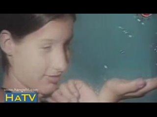 Первый клип Кэти Топурия