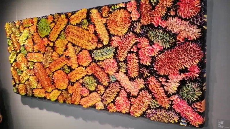 Картина-хамелеон - меняет цвет в зависимости от ракурса просмотра. Эрарта