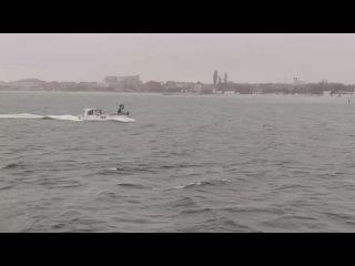 В Крыму пограничники задержали судно украинских браконьеров