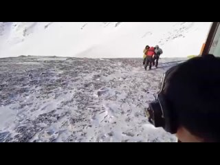 Спасение двух туристов из Зеленогорска, которые попали под лавину в Бурятии.