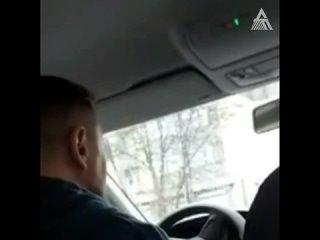 Водитель такси не хочет везти клиентку за 160 руб.