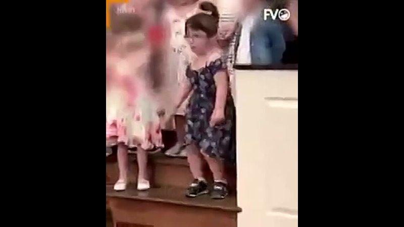 Эта девочка будущая актриса комедийного жанра Браво (240p).mp4